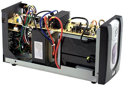 ИБП PCM IMD-1200AP со снятой крышкой